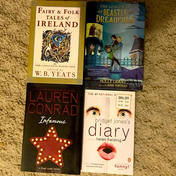 Lot of 4 Books 📚